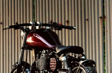 Royal Enfield Thunderbird 350 Bobber Od School