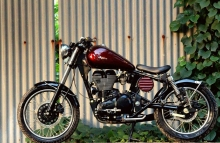 Royal Enfield Thunderbird 350 Bobber by Jedi Customs