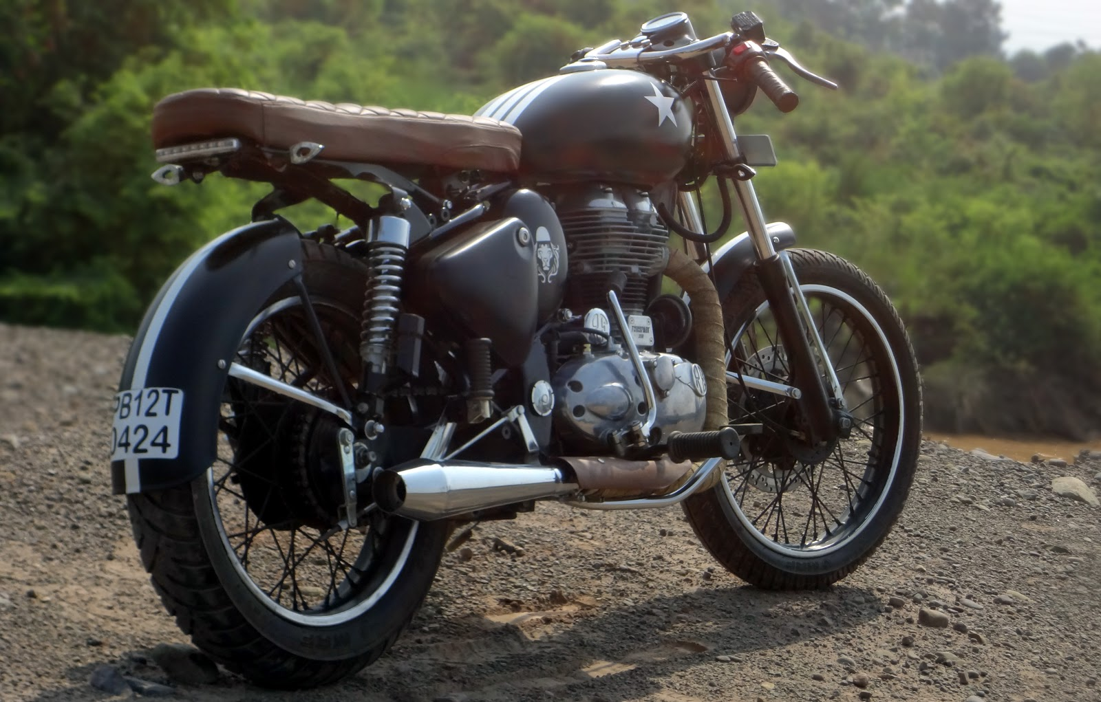 classic cafe racer from bambukaat motorcycle customs. Black Bedroom Furniture Sets. Home Design Ideas