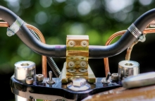 Modified_Bajaj_Pulsa_Bratbob_Brass_handlebar
