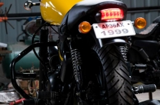 modified_royal_enfield_thunderbird_india_eimor_custom_tail_light