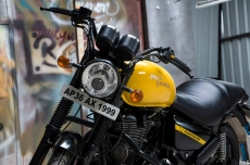 modified_royal_enfield_thunderbird_matte_black_