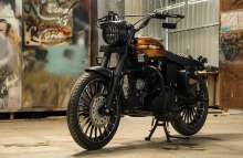 Modified Royal Enfield Classic 350 Paint by Eimor Cistoms