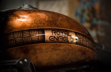 Royal Enfield Classic 350 Fuel Tank Paint by Eimor Cistoms