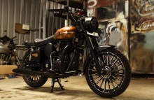 Royal Enfield Classic 350 Paint by Eimor Cistoms