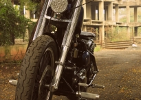 Modified_Royal_Endield_AVL_engine_350cc_bobber_Pune_Nomad_motorcycle