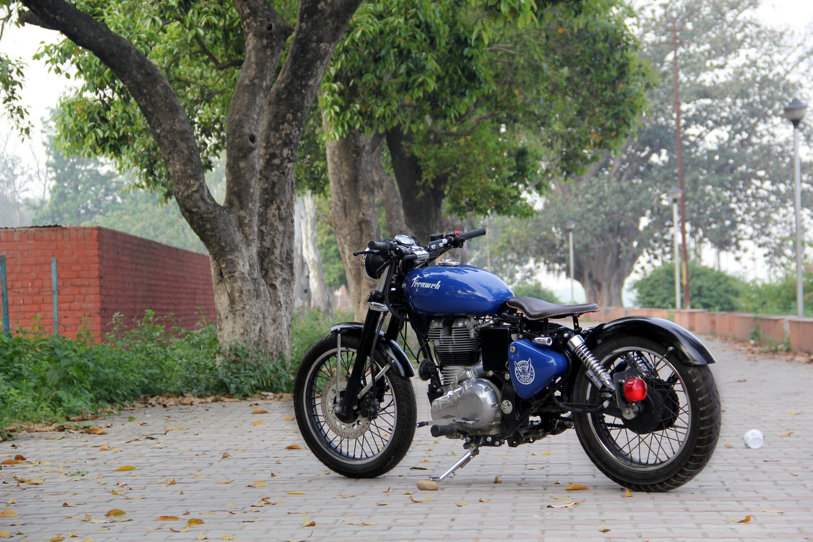 Fernweh-Modified-Royal-Enfield-Classic-UCE-Bobber-Bambukaat-Motorcycle-Customs.jpg