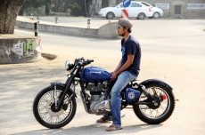 Modified-Royal-Enfield-Bobber-Bambukaat-Motorcycle-Customs.jpg