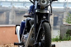 Royal-Enfield-Classic-Modified-Bobber-Bambukaat-Motorcycle-Customs.jpg