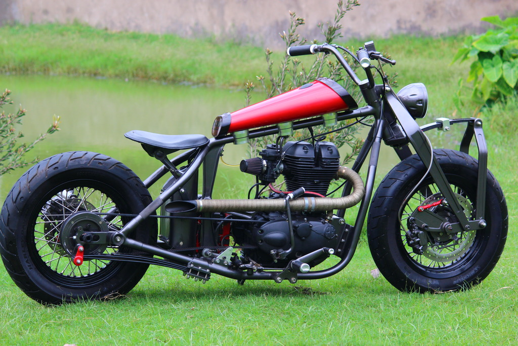 Royal_Enfield_500cc_Classic_Old_School_Modification