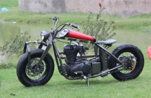 Modified_Royal_Enfield_500cc_Classic_Old_School_TNT_Motorcycles