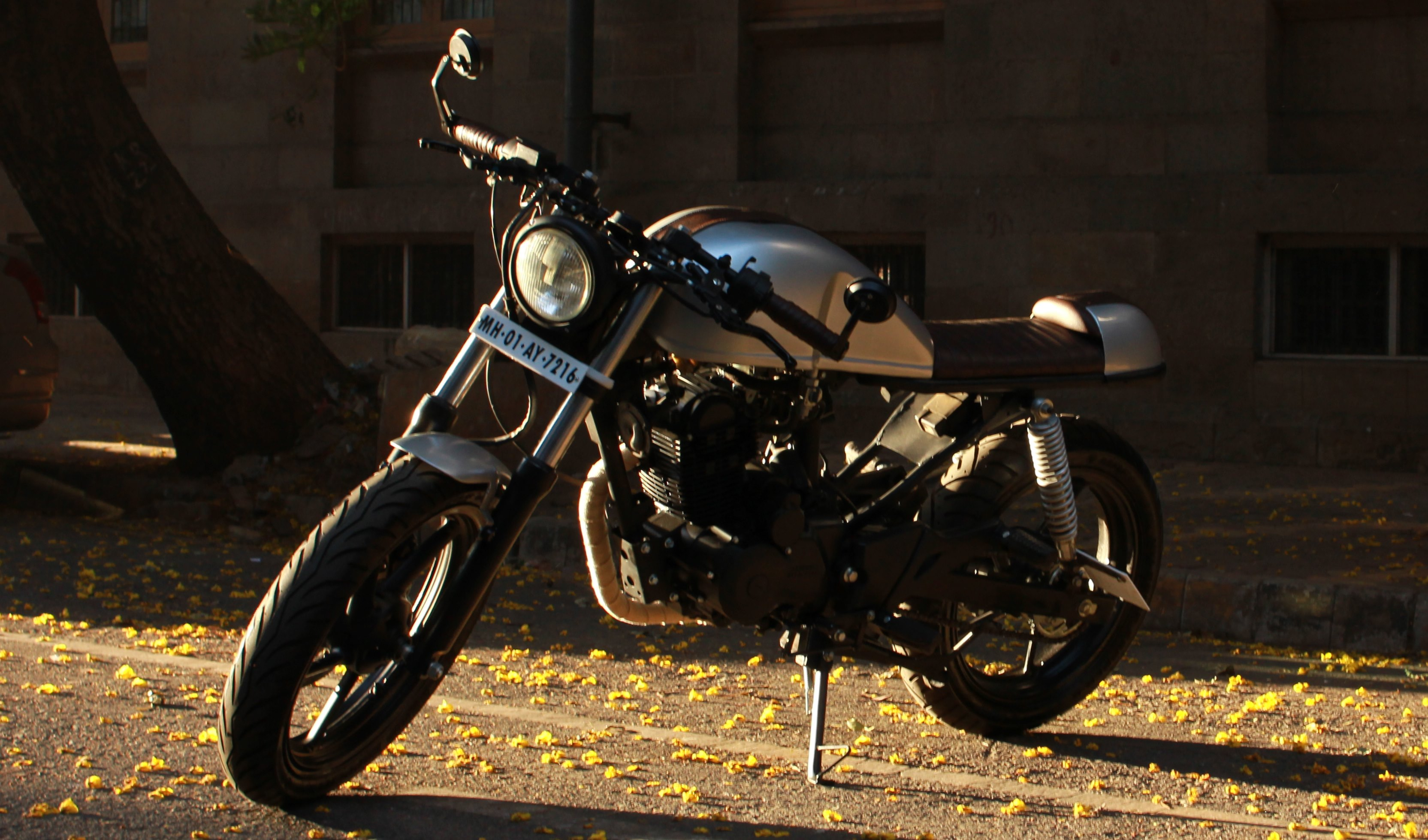 Karizma Cafe Racer by Ballard Customs - an amateur's build