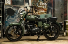 Royal Enfield paintjob Army Military Olive green by Eimor Customs