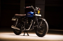 Modified Royal Enfield Classic 350cc Cafe racer Scramble Eimor Customs photography