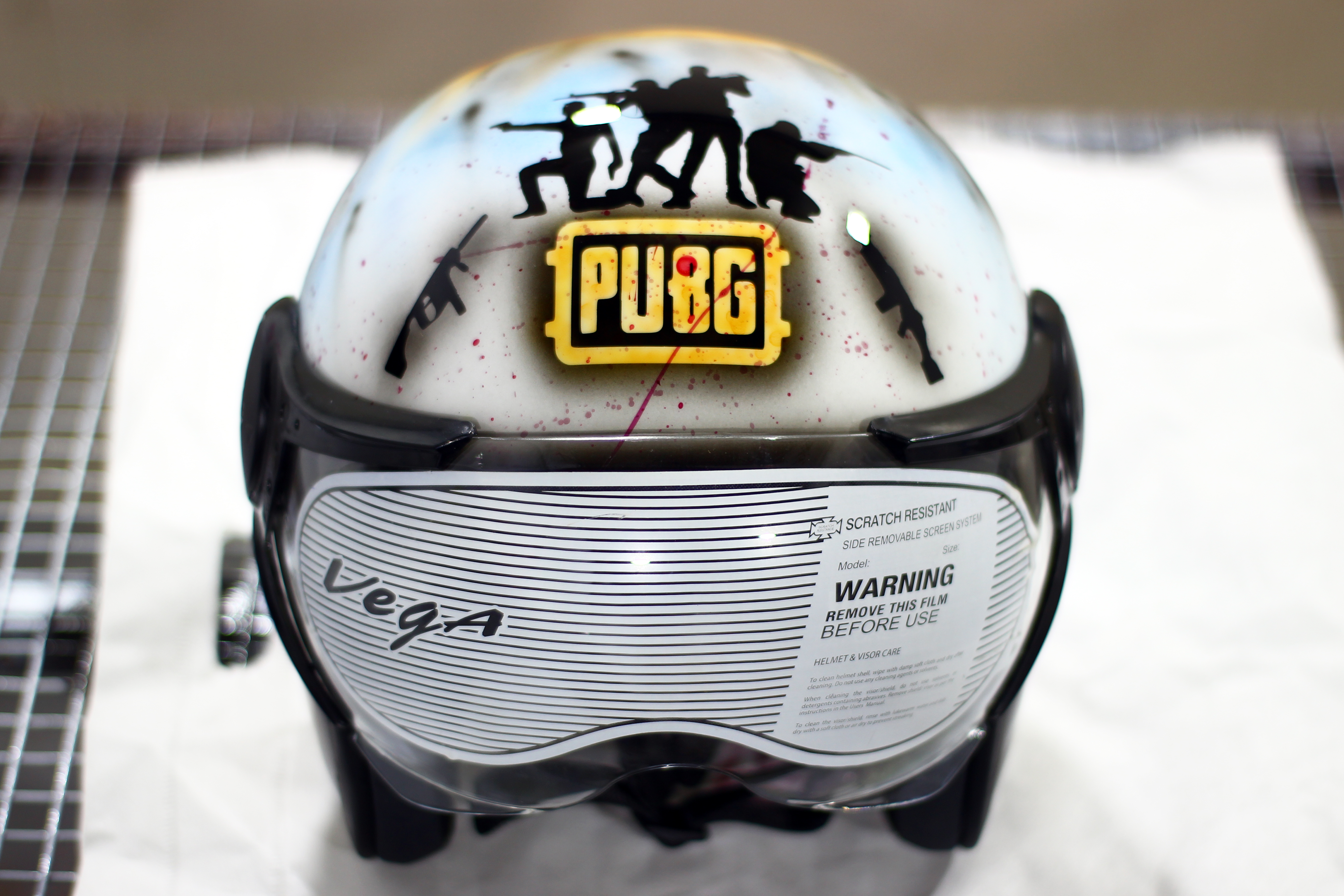 PUBG-themed-custom-painted-Helmet-Guns-and-hoes-customs