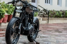 Royal_Enfield_Classic_500cc_Cafe_Racer