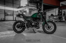 Royal Enfield Himalayan Wheel tyre change by GRID7 Customs