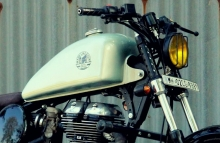 Modified Royal Enfield Classic Bobber Yellow Headlight Grilll by Jedi Customs