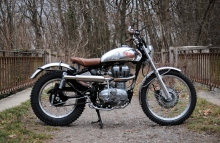 Royal Enfield Trial Bullet - '60's Charm by BAAK Motocyclette France