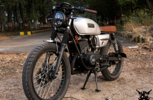 Yamaha RX135 Cafe Racer by Hindustan Customs