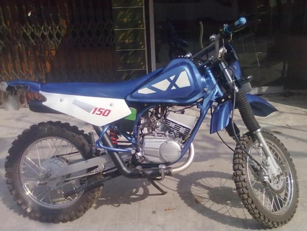 Yamaha dirt bike by Highway Customs, Kolkata