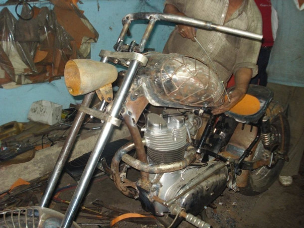 Making of Custom Chopper using a Royal Enfield by Highway Customs