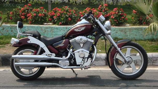More bikes from Indian Choppers with V-Twin covers