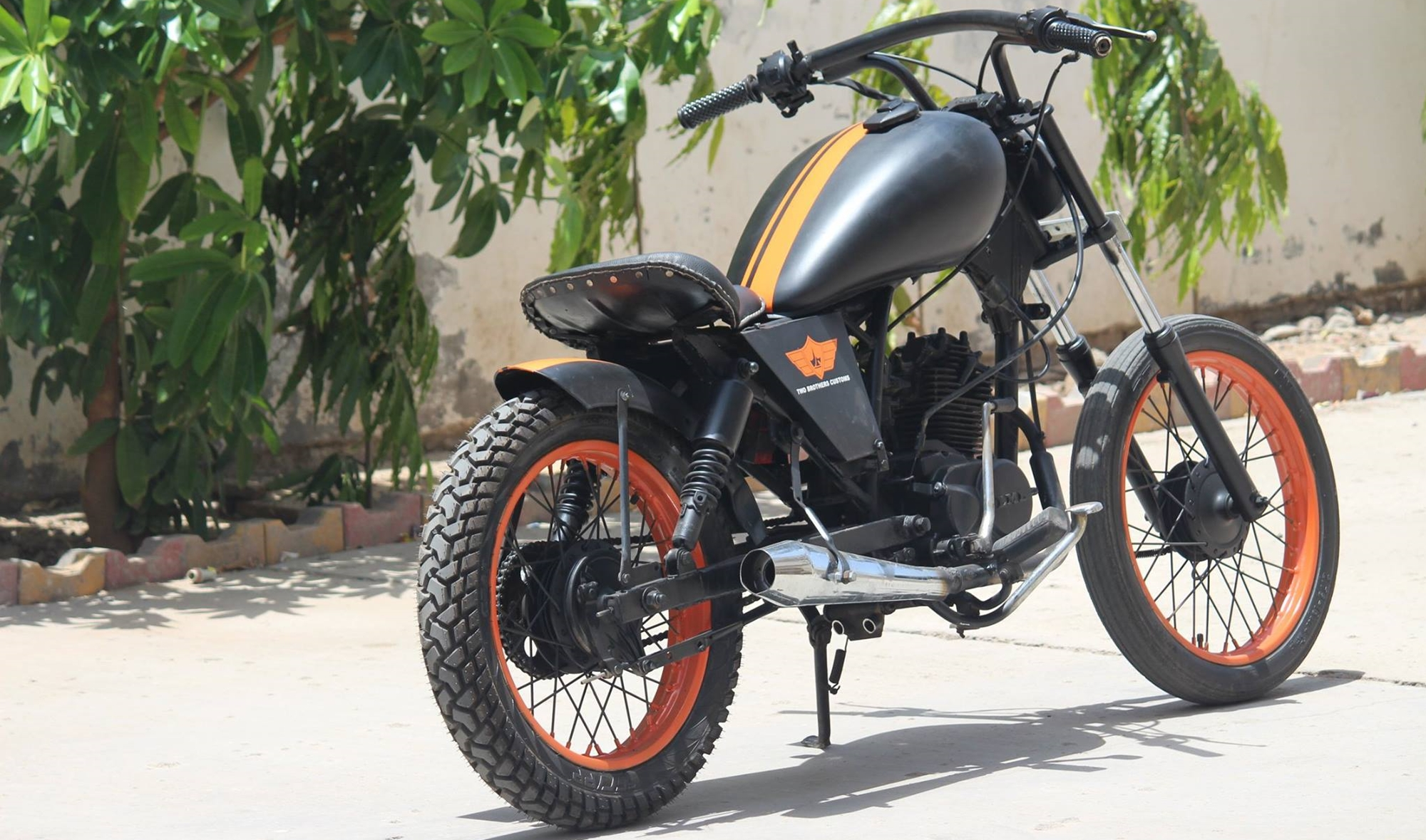 lml-crd-100-modified-bobber-by-two-brothers-customs