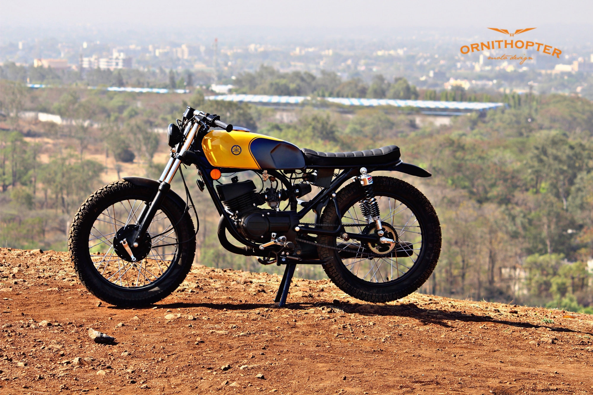 Custom Yamaha RX100 Scrambler modification