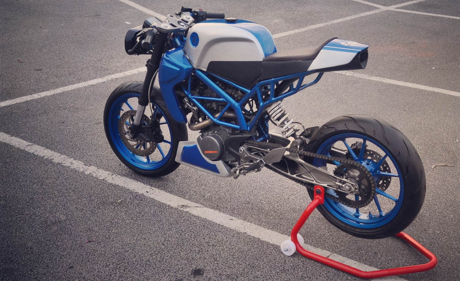 Sonic200 Ktm Duke200 Cafe Racer By Inline3 Custom